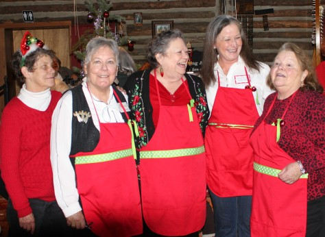 Kitchen crew, L to R: Bonnie Dever, Elisabeth Sherwin, Joan Donovan, Catharine Gardner, Laura Dever